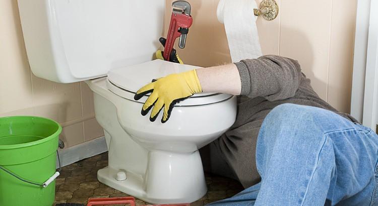Comment changer un joint WC d'évacuation ?